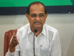 Lok Sabha Elections 2019 Congress Leader Campaigns For Bjp Candidate Maharashtra