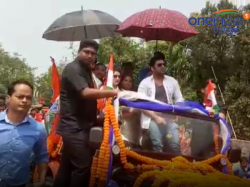 Actor Ankush Payel In Raiganj S Tmc Candidates Poll Campaign