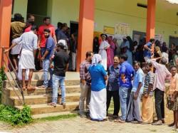 Loksabaha Vote 2019 Polling Agent Threatened In Murshibad With Gun