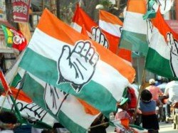 Congress Workers Thrash Photojournalists For Clicking Pictures Of Empty Chairs At Public Rally