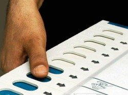 Polling Officer Left The Booth In Nadia S Chapra On Demand Of Central Force