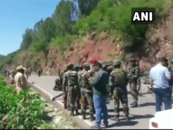 Ied Found At Jammu Rajouri Highway In Kashmir Police Destrroys It