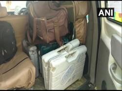 Evm Vvpat Recovers From Hotel In Muzaffarpur In Bihar