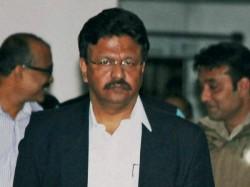 Kolkata Mayor Firhad Hakim Oversee Preparedness Before Cyclone Fani Hits Kolkata Bengal