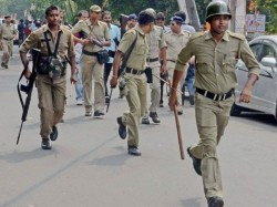 Armed Forces From Coochbihar Ransacked Arambag Police Station Due To Not Getting Bus