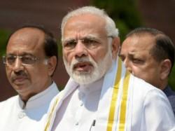 Rajiv Gandhi Took Ins Viraat For Family Vacation Says Modi