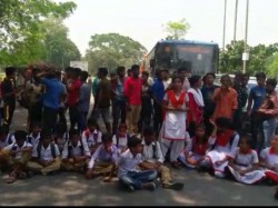 Students Protest Against Bengal Government S Leave Order