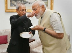 Narendra Modi Meets With Ex President Pranab Mukharjee And Prays For Blessing