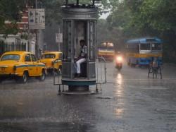 Cyclone Fani Effect Kolkata Police Ready To Tackle Any Adverse Situation
