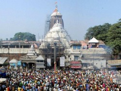 Puri S Jagannath Temple Replaces Flag To Sound Alert