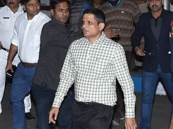 Cbi Raids Rajiv Kumar S Residence In Kolkata