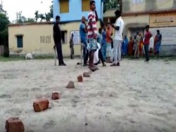 Voters Uses Bricks To Keep Their Lines In Front Of The Booth In Bhangar In West Bengal