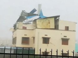 Cyclone Fani Viral Videos On Social Media Will Blow Your Mind