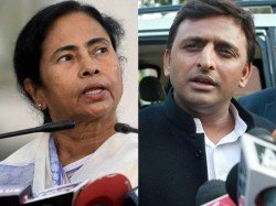 Akhilesh Yadav Talked To Mamata Banerjee And Assured Her Of More Than 50 Seats From Up