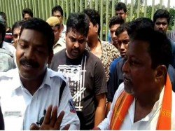 West Bengal Police Searches Mukul Roy S Car In Two Places Including Airport