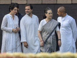 Pm Modi Attacks Sonia Son In Law Robert Vadra Says He Will Put Him Behind Bars In Next 5 Years