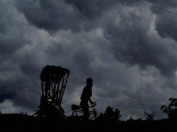 Kalbaishakhi Enters In South Bengal And Starts Rain In Various District