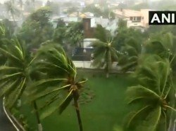 Cyclone Fani To Hit Odisha And West Bengal Get The Live Updates