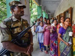 Jawan Of Central Force Asks Voters To Vote For Bjp During Loksabha Poll