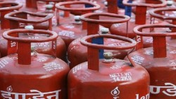 Price Of Non Subsidized Lpg Cylinders Will Decreased Rs 100 50 From 1 July