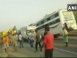 Deadly Bus Accident In Jharkhand 11 Person Died