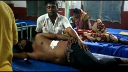 Cpm Worker Allegedly Allegedly Attack Tmc Worker In Front Of Tmc Mla In Chopra