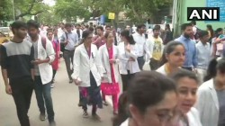 Junior Doctors Raises Slogan Lakhsmi Chele After Cm S Meeting