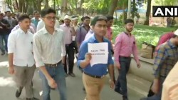Nrs Medical College Issue Doctors From All Over India Goes On Strike