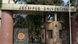 Outsiders Allegedly Attacks Hostels At Jadavpur University