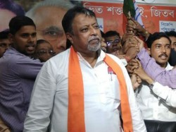 Mukul Roy Demands Accused Tmc Leader Shahjahan Escapes In Bangladesh