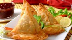 Kachori Sellor From Aligarh Got Tax Notice For Annual Turnover Rs 1