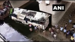 People Died In A Bus Accident When It Skidded Off The Yamuna Expressway In Uttar Pradesh