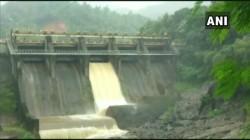 Red Alert In Kerala As One Shutter Of Idduki S Kallarkutty Dam In Kerala Was Opened