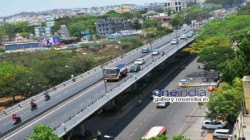 Administration Closed Ultadanga Flyover Due To Crack Seen By The Investigation Team