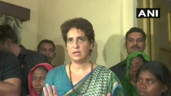 Priyanka Gandhi Vadra Finally Met The Family Members Of The Victims Sonbhadra Massacre