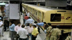 Metro Service Is Disrupted In Rabindra Sarobor Due To Attempt Of Suicide