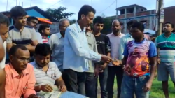 Bjp Leader Send Back Cut Money To The Public In West Midnapore