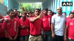 Zomato Food Delivery Boys Howrah Are On An Indefinie Strike Protesting Against Delivering Beef Pork