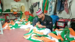 Indian Flag Sale On High Ahead Of Independence Day 2019 Klkata After Scrapping Article 370 Kashmir