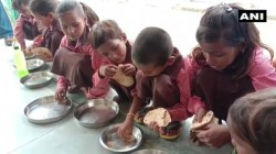 Up School Serves Chapati And Salt In Mid Day Meal