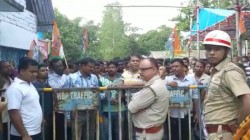 Trinamool Congress Stages Agitation Against Police In Dinhata