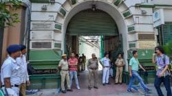 Theft In Kolkata Police Official S House In Tollygunj