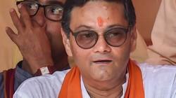 Bjp S Chandra Kumar Basu Starts Chaye Pe Charcha In South Kolkata Constituency
