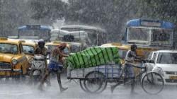 Heavy Rain Lashes In Kolkata 1 Dead In Thunderstorm