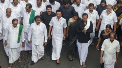 M K Stalin Calls All Other Parties In Jantar Mantar On Demand Of Releasing Kashmiri Leader