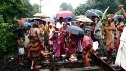 Untimely Vishwakarma Puja Organised In Duttapukur