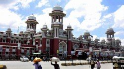 Railway Authorities In Lucknow Have Banned The Sale Of The Fruit At The Charbagh Railway Station