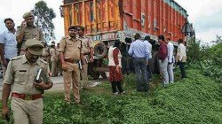 People Died And Another 20 Were Injured In A Horrific Road Accident In Maharastra