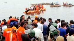 Boat Capsizes In Godavari River