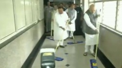 Amit Shah Sweeping The Floor At Aiims As Part Of The Seva Saptah Campaign
